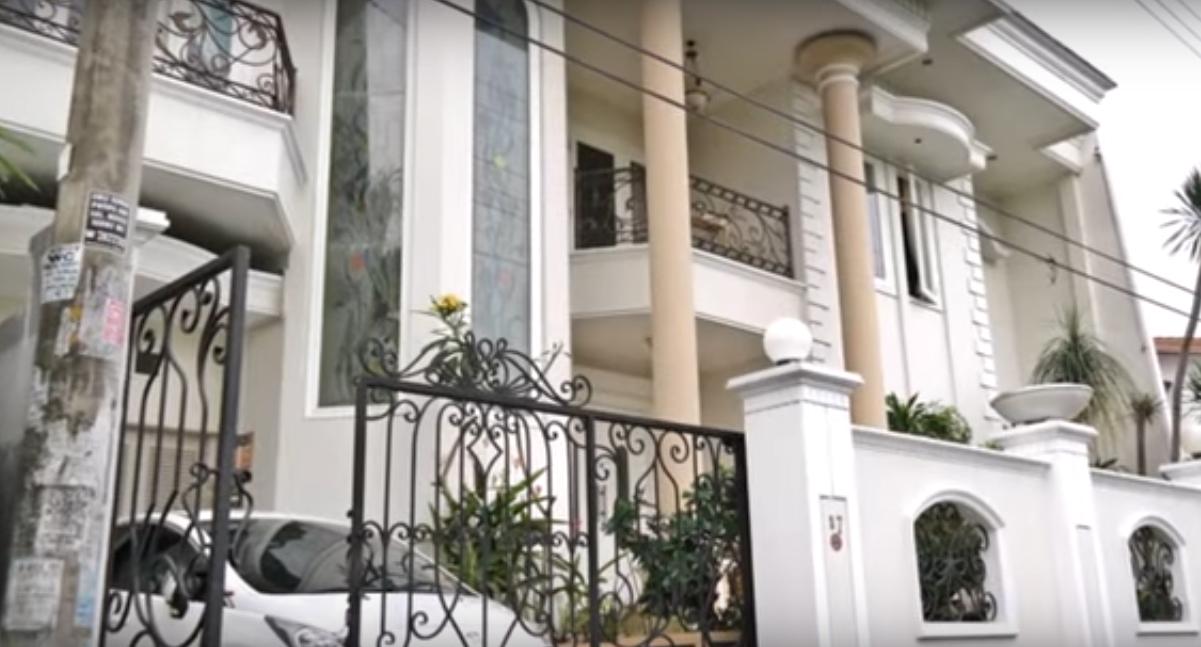 910+ Foto Desain Rumah Tingkat Dengan Balkon Paling Keren Unduh