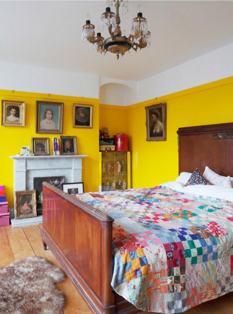 jika merasa bosan dengan satu atau dua warna kamar model ini pantas dicoba » Ini 18 Ide Menarik Desain Kamar Tidur yang Membuat Anda Mudah Terlelap