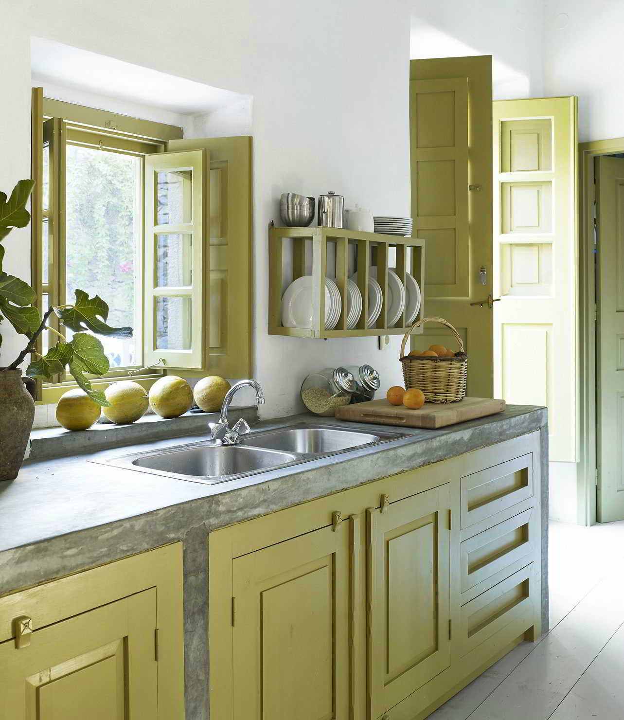 kesan alami dari dapur dengan warna hijau yang segar » Kegiatan Memasak Menjadi Lebih Menyenangkan di Dapur yang Menggembirakan
